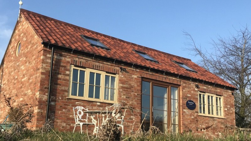 Windmill Cottage in the sunshine